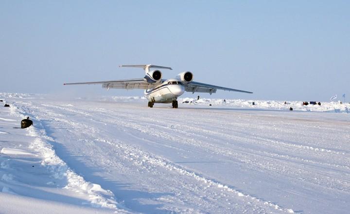 Barneo-Ice-Camp-Antonov-74-landing.jpg