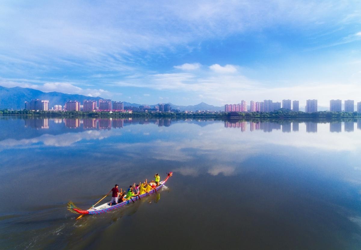"""风景名胜区,灵湖景区获中国人居环境范例奖,""""千年古城,更忆临海""""旅游"""