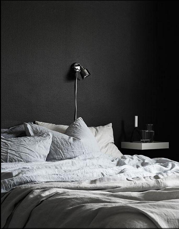 北欧卧室黑色墙面漆装修效果图