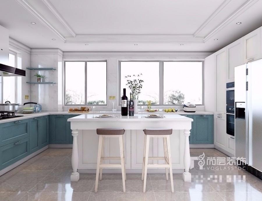 所以美式厨房一般是选用开放式的设计,同时会在厨房内配备一个岛台