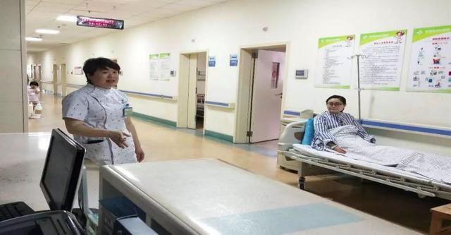 患者在医院跌倒了怎么办?护士们展开了实战演练!