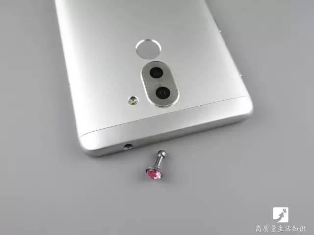 这5个手机小配件正在损害你的手机,还不快丢掉!