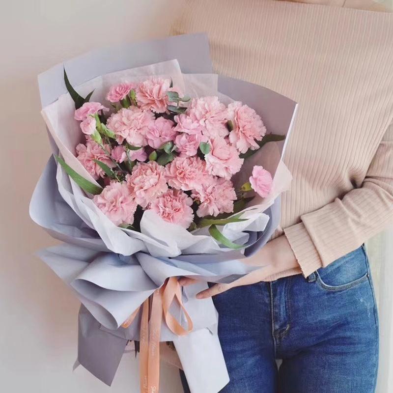 康乃馨花束.jpg