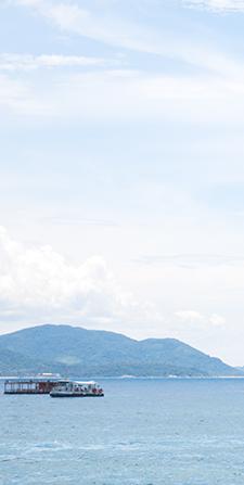 十一黄金周放假时间_国庆放假 畅游华夏 | 蓝色天空背景清新旅游模板-样式模板素材 ...