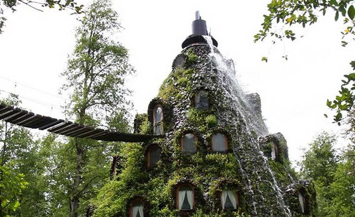 Magic-Mountain-Lodge-Cile-SLIDER-1.jpg
