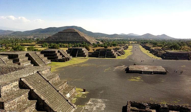 teotihuacan-1340799_960_720.jpg
