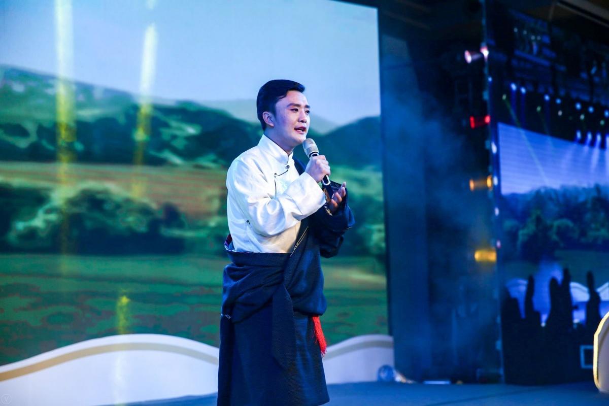 藏语歌.JPG