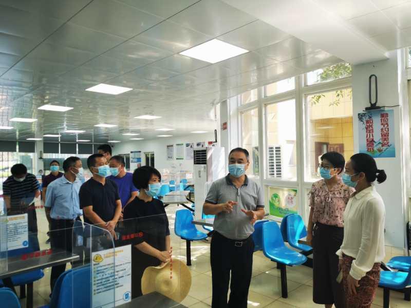 """省总工会刘富国来宜调研""""爱国卫生运..."""