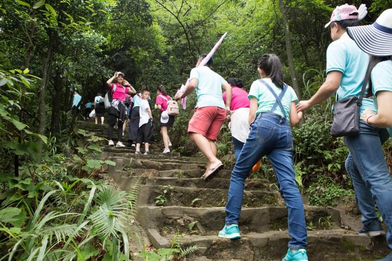 蜜诺团队爬山