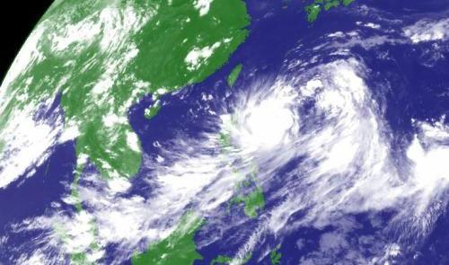 ‐滚动播报/鹿城于12日8时解除8号台风^玛莉亚 ̄的台风警报和台风蓝色信号