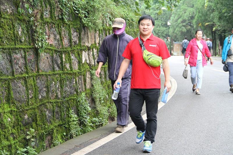 紫苹果公装登山团队