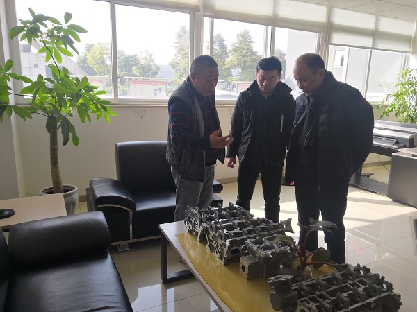 张永红副总裁在文达机械公司详细了解企业生产经营现状.jpg