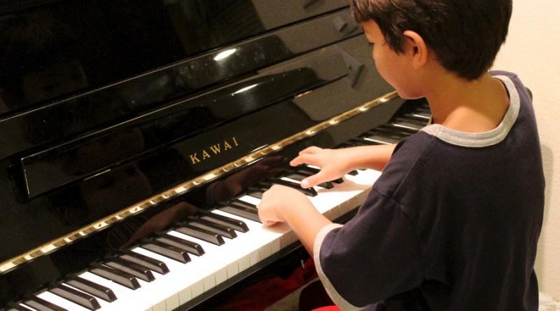 钢琴 (1).jpg