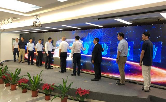 """福建移动联手多家产业链合作伙伴试水""""云VR业务"""""""