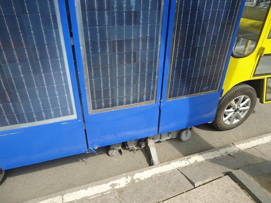 太陽能吸掃車8.JPG