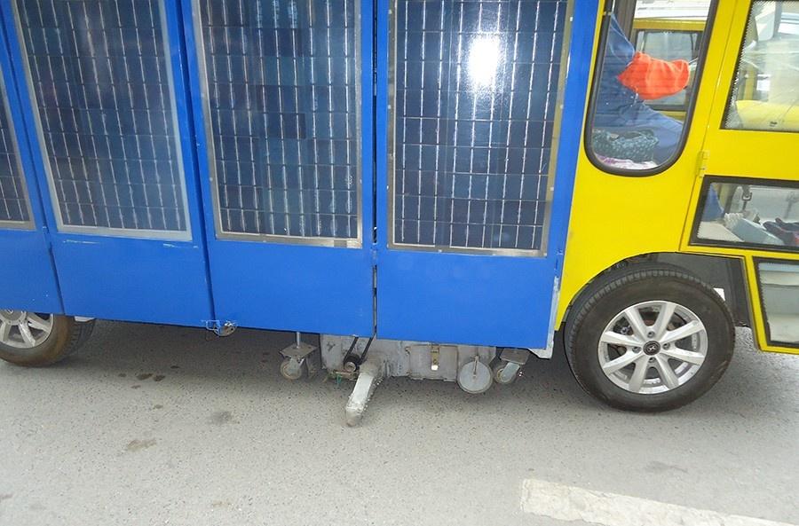 太陽能吸掃車6.JPG
