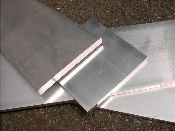 众顺铝业的合金铝板。众顺铝业的合金铝板、彩图铝板、花纹铝板、瓦楞铝板等价格低,质量好,售后有保障.jpg
