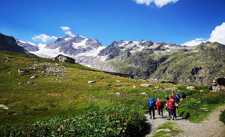 val-veny-hiking-(1).jpg