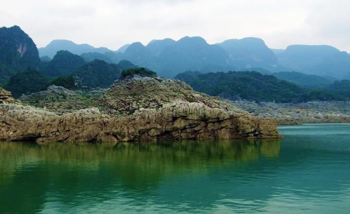 万峰湖2.jpg