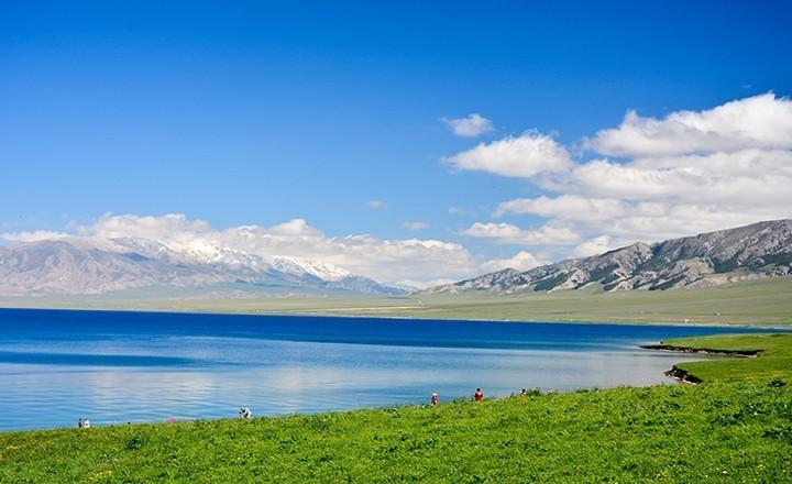 赛里木湖.jpg