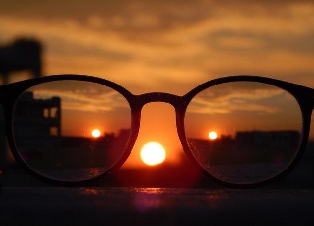 向消费者推荐适合他们的镜片,云镜有妙招!
