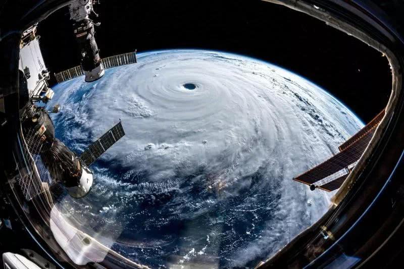 9月25日德国宇航员在空间站拍摄的潭美.jpg