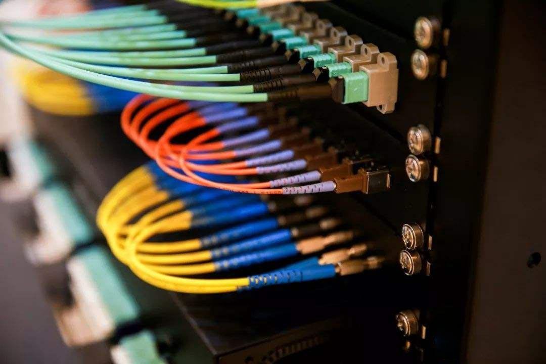 光纤跳线.jpg