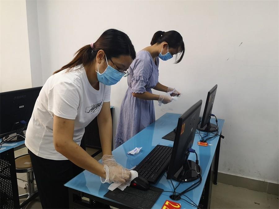 01桌面、键盘及鼠标消毒、清洁.jpg