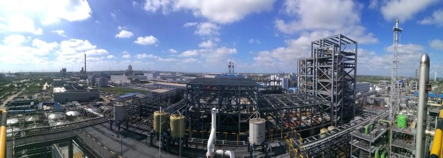 青岛奥门葡京新河产业园区年产1万吨年分散染料项目,配套废酸浓缩和裂解循环经济设施,引进全球最先进的WSA湿法制硫酸技术,实现了废硫酸和废硝酸的循环再生。.jpg