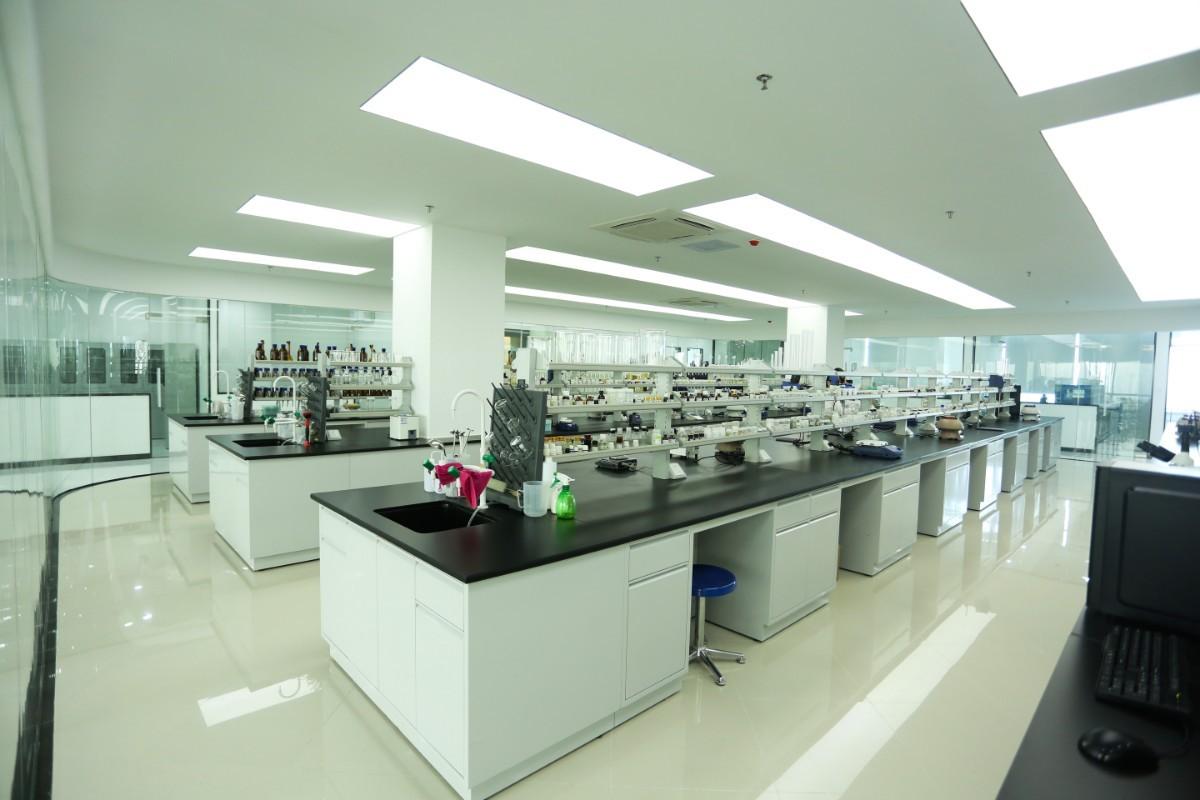 拉凯尔研究所实验室1.jpg