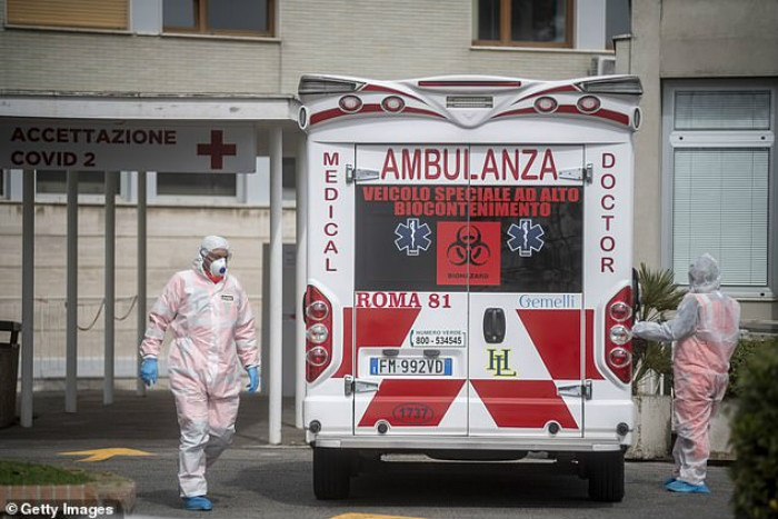 26096004-8123307-Italy_s_outbreak_the_worst_outside_of_China_spiralled_further_to-a-13_1584497642477.jpg