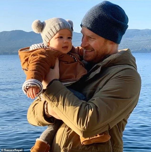 22927826-7881493-The_Duke_of_Sussex_released_this_photograph_of_him_with_baby_Arc-a-59_1578918239631.jpg