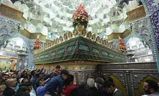 1024px-Fatima_Masumeh_shrine,_Shabaniyah_celebrations_-_20_April_2018_12.jpg