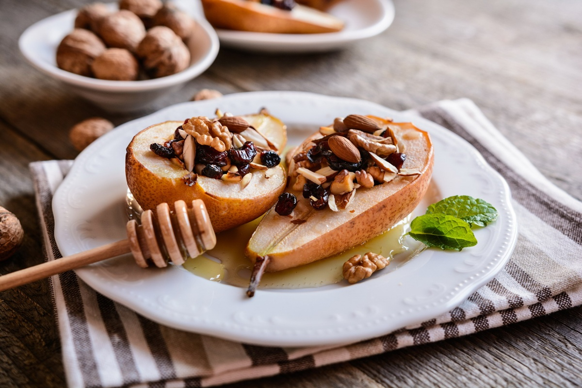 Baked pears with honey, walnuts, almond cranberries and cinnamon.JPG