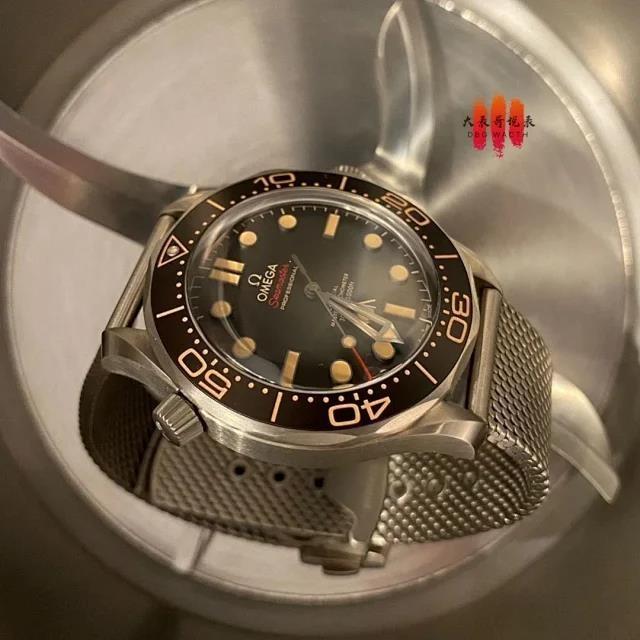 【大表哥说表】VS欧米茄海马300系列 《007:无暇赴死》【什么是复刻表】