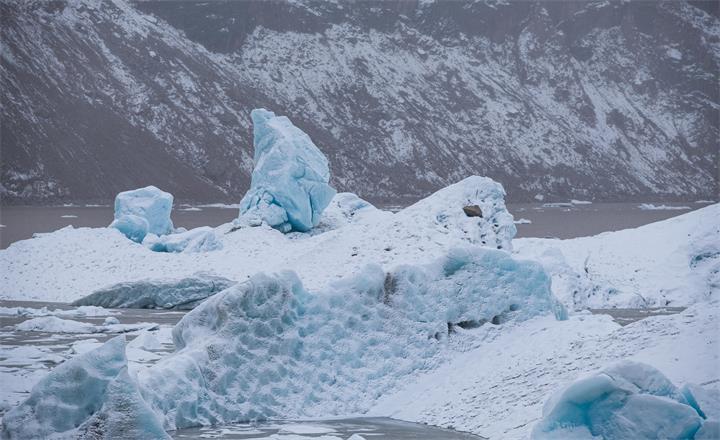Blue Ice at Laigu 来古冰川蓝冰.JPG