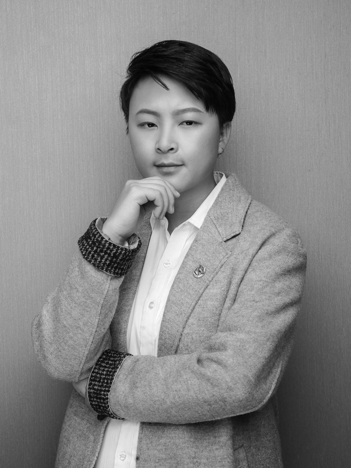晗昱软装恒大中央广场设计师李倩.jpg
